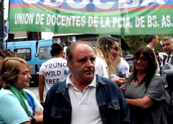"""El secretario general de UDOCBA, Miguel Díaz afirmó que """"tenemos compañeros que sobreviven gracias a changas, y algunos están trabajando en Uber"""". Foto Archivo"""