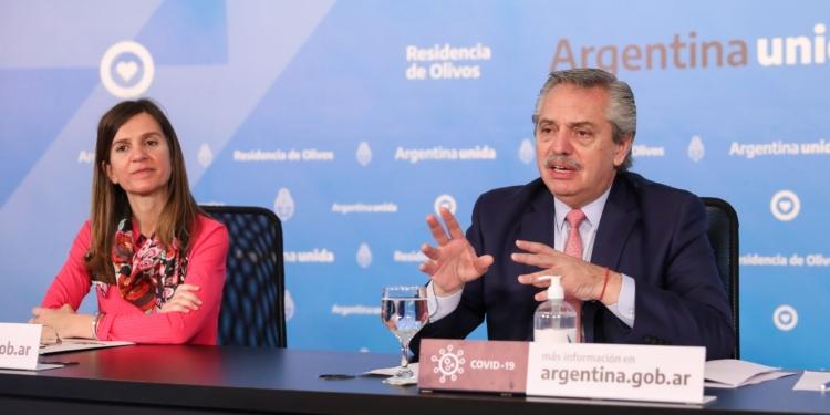 Alberto Fernandez y Fernanda Raverta scaled