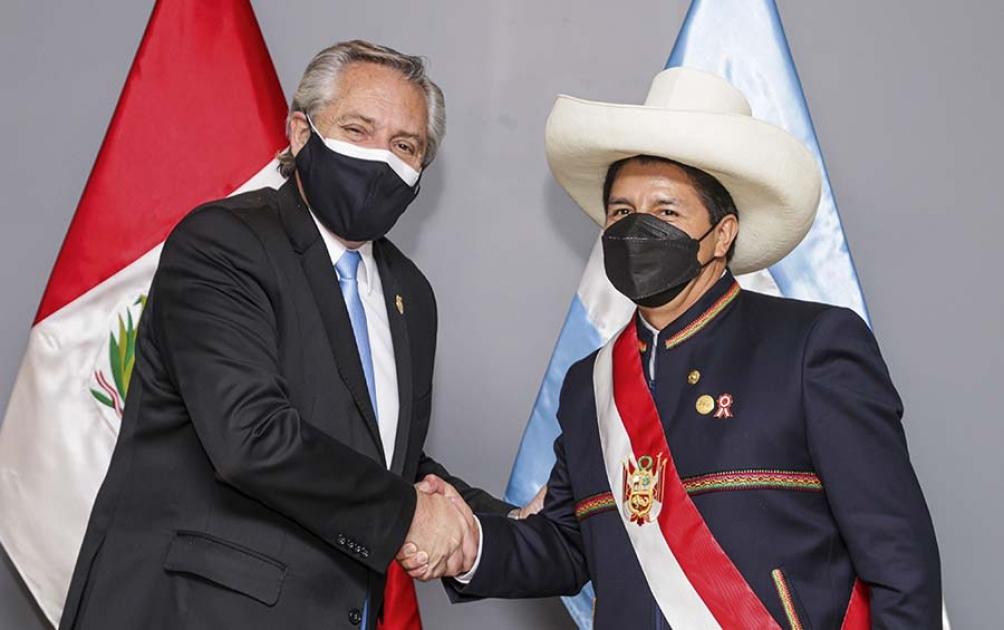 Alberto Fernández y Pedro Castillo en la reunión bilateral.