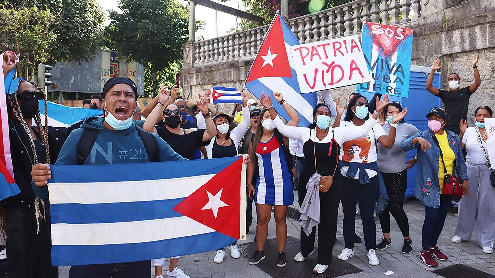 """Estados Unidos impuso sanciones financieras a la Policía Cubana por """"reprimir las protestas pacíficas y prodemocráticas"""" en la isla el 11 de julio"""