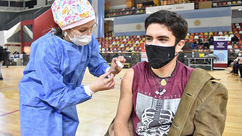 caba abre la inscripcion para vacunarse a adolescentes con factores de riesgo