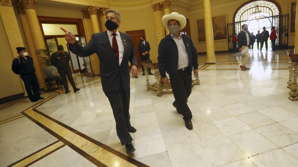 Incorporó a su equipo al economista Pedro Francke. Foto: Agencia Andina.