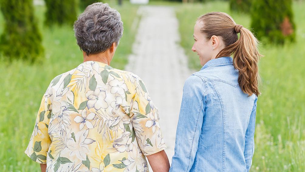 con protocolos estrictos y mucha emocion volvieron las visitas a los geriatricos bonaerenses