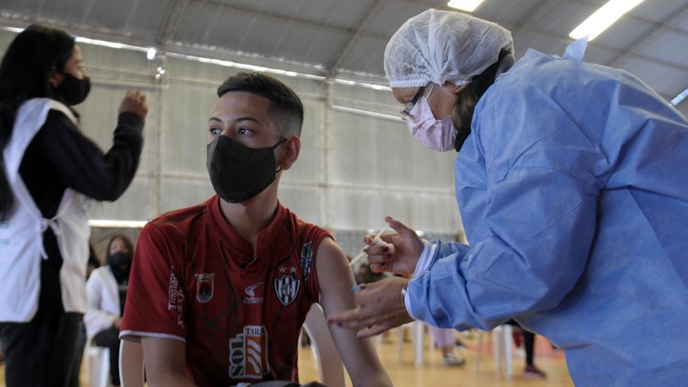 """""""Las vacunas ya fueron aprobadas para su uso de emergencia y todas cumplieron con sus ensayos clínicos"""". Foto: Emilio Rapetti."""