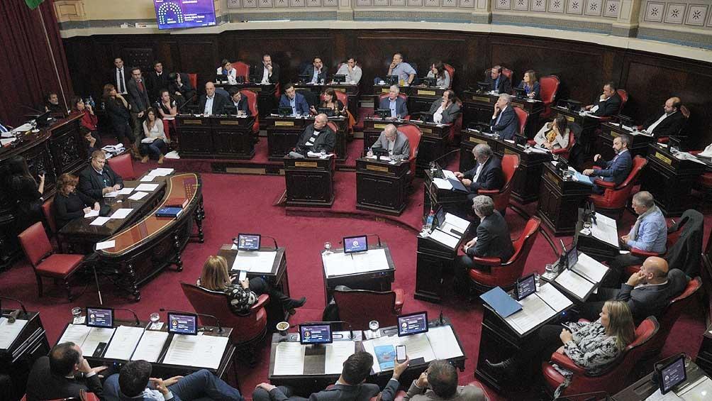 En provincia de Buenos Aires se renuevan 46 diputados y 23 senadores.