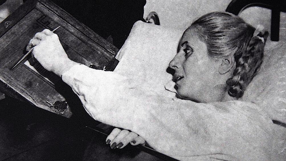 Hasta sus últimos días Evita se esforzó por comunicar su legado.