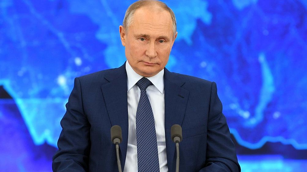 """Vladimir Putin afirmó que la flota de guerra rusa es capaz de detectar y destruir """"cualquier objetivo""""."""