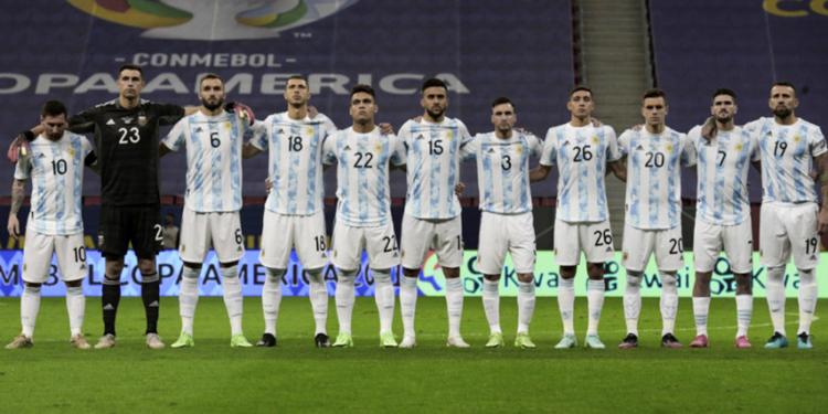 argentina tendra dos arbitros brasilenos y uno chileno en la triple fecha de eliminatorias