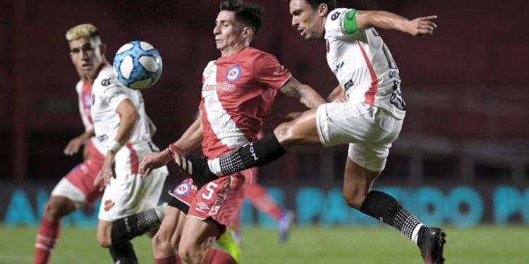 argentinos recibe a patronato en la paternal por la liga profesional