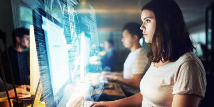dia del programador como reconvertirte a esta carrera del futuro con alta demanda y salida laboral