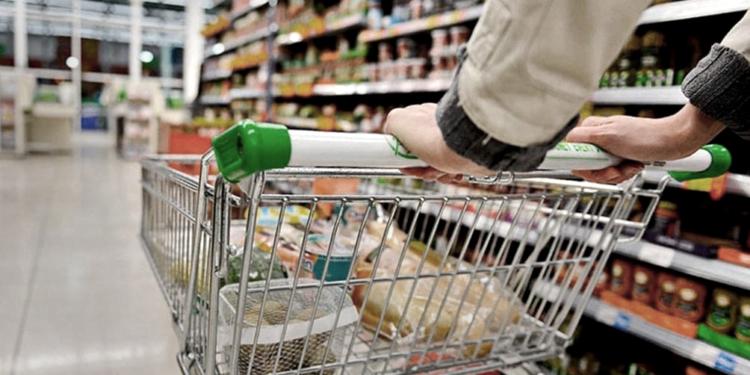 el consumo se recupero en los ultimos meses en centros comerciales y supermercados