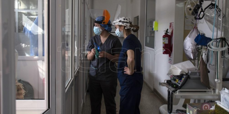 fallecieron 239 personas y hubo 2 297 nuevos contagios de coronavirus
