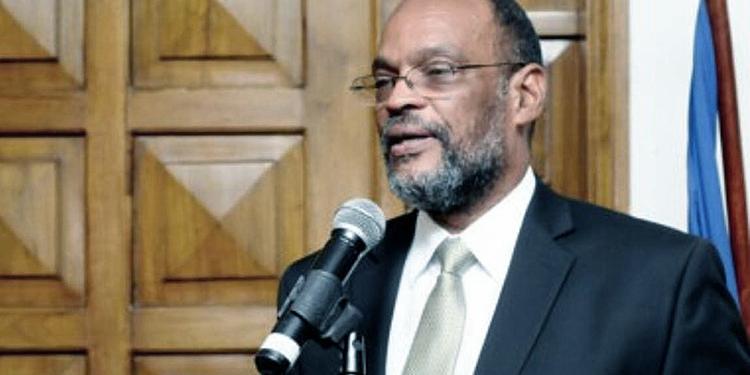 le prohibieron la salida del pais al primer ministro haitiano por presunta vinculacion con el crimen