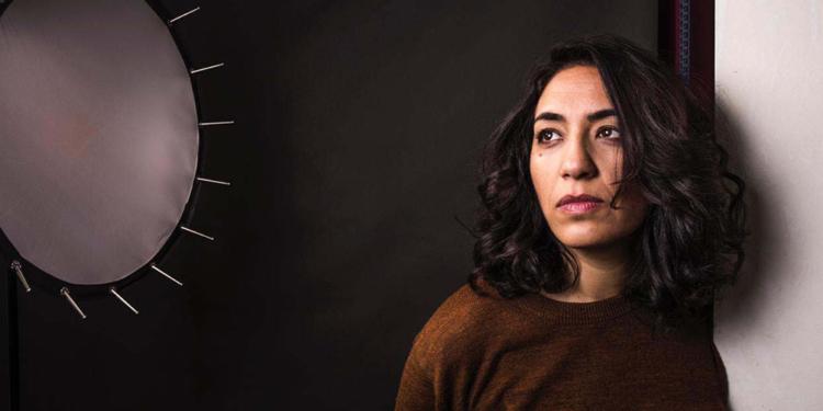 lorena vega dirige precoz que expone zonas socialmente no aceptadas de la maternidad