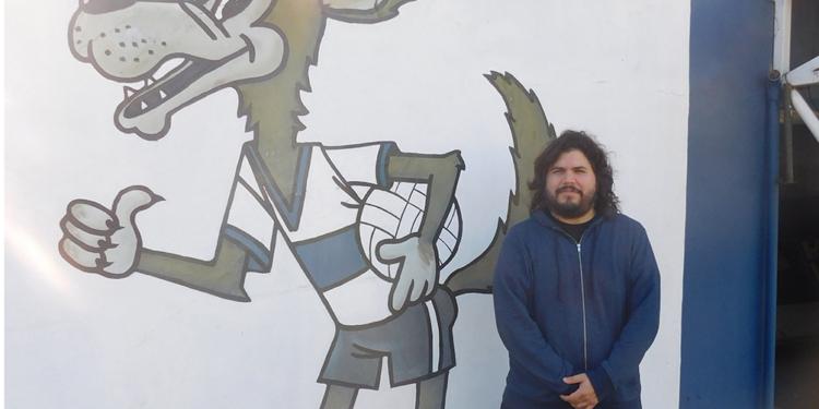 santiago motorizado del indie rock a su pasion por el lobo platense