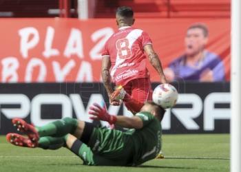 argentinos juniors lo definio sobre el final frente a colon en la paternal
