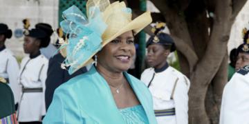 barbados eligio a su primera presidenta tras 396 anos de dominio britanico