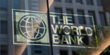 el gobierno acordo nuevos prestamos del banco mundial por 2 000 millones de dolares