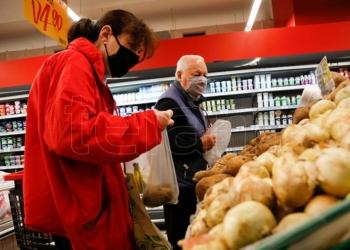 el gobierno retrotrajo precios de 1 432 productos al 1 de octubre
