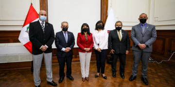 el nuevo gabinete busca la confianza del congreso en medio de tensiones con castillo