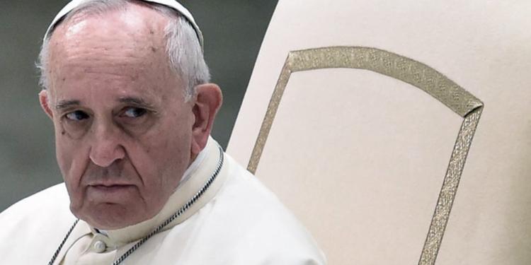 el papa lamento que la iglesia recurriera a la violencia para imponer un modelo cultural