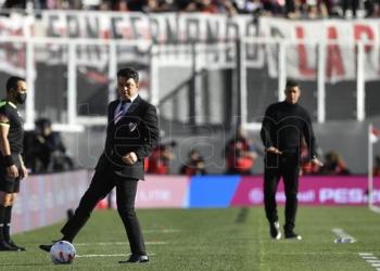gallardo sonrie dos futbolistas disponibles de cara al duelo ante estudiantes