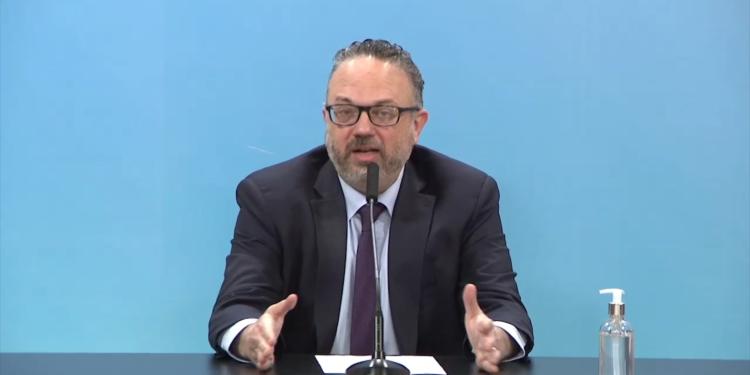 kulfas afirmo que se esta evaluando modificar la prohibicion de despidos y la doble indemnizacion