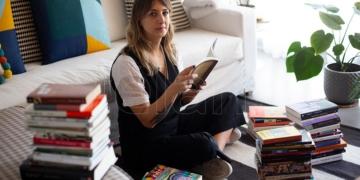 la escritora y librera paula vazquez asume como directora de asuntos culturales de la cancilleria