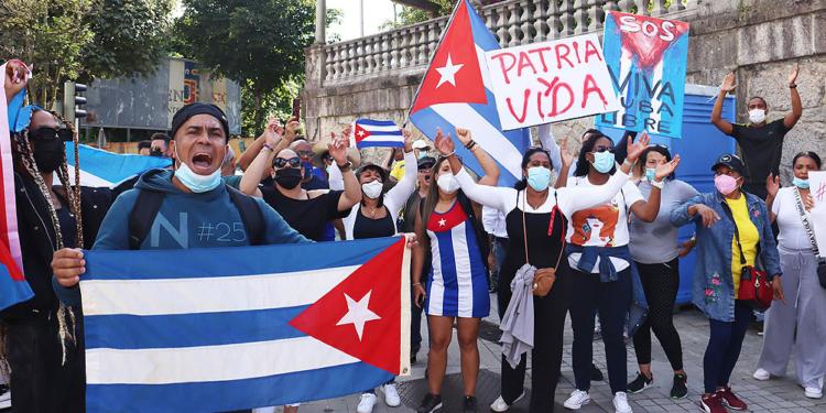 polemica por la decision del gobierno cubano de prohibir una manifestacion opositora