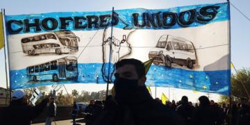 protesta de choferes disidentes de la uta en puente pueyrredon acceso oeste y campana